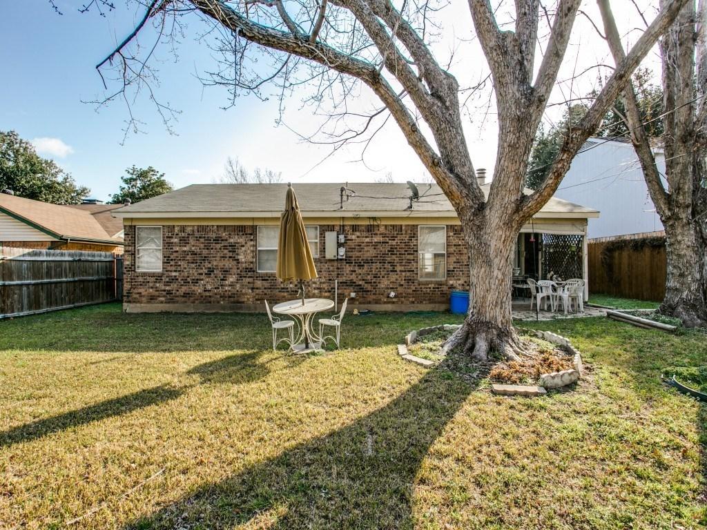 Sold Property | 706 Matthews Court Arlington, Texas 76012 24