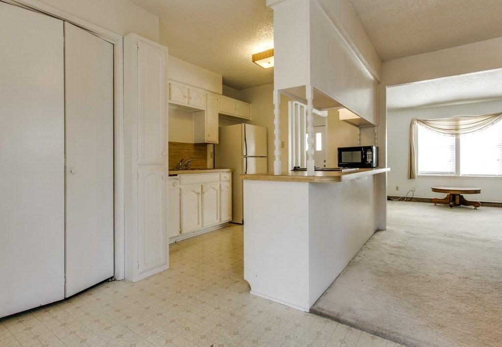 Sold Property | 706 Matthews Court Arlington, Texas 76012 7