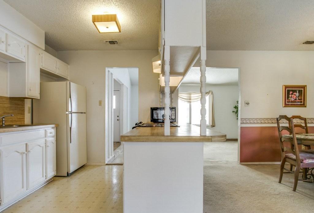 Sold Property | 706 Matthews Court Arlington, Texas 76012 8
