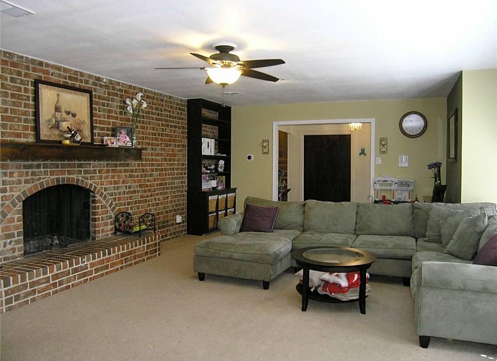 Sold Property | 1718 Autumn Lane Arlington, Texas 76012 1