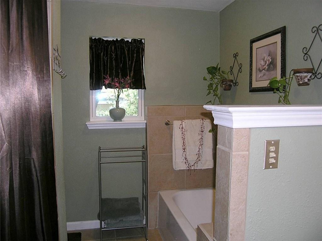 Sold Property | 1718 Autumn Lane Arlington, Texas 76012 15