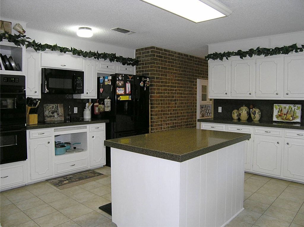 Sold Property | 1718 Autumn Lane Arlington, Texas 76012 7