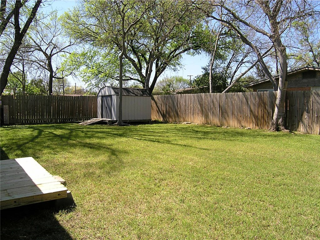 Sold Property | 919 Camelia Court Irving, Texas 75060 15