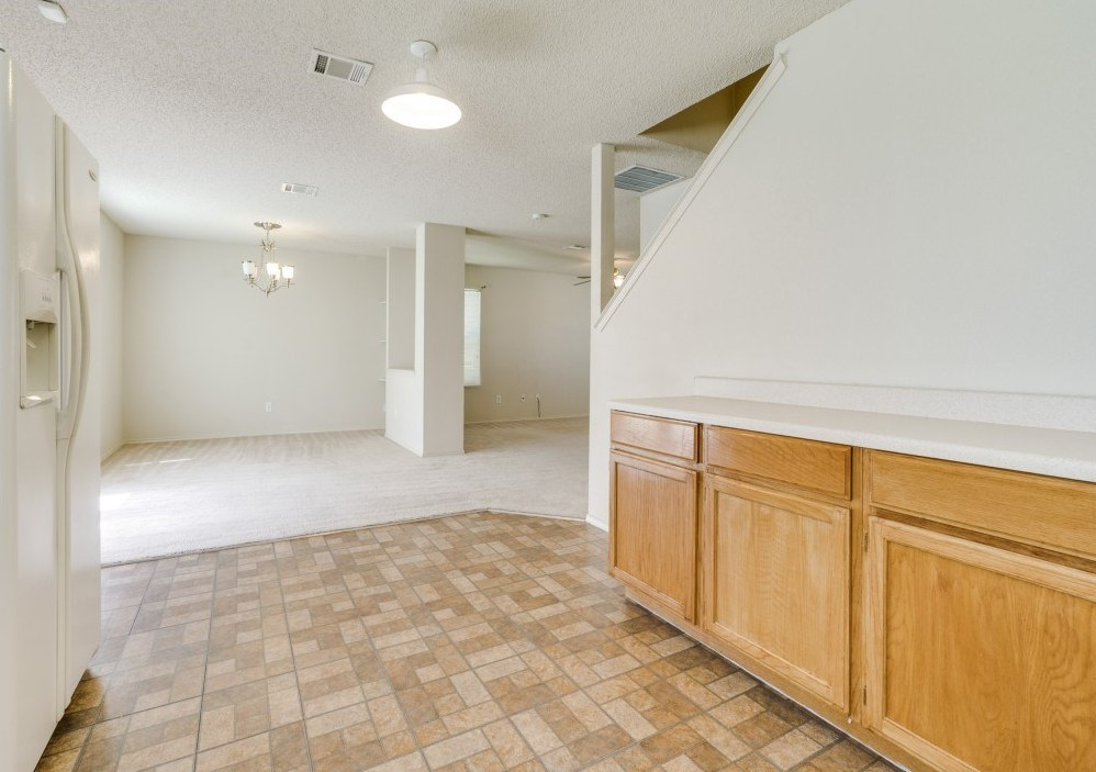 Sold Property | 8032 Colbi Lane Fort Worth, Texas 76120 9