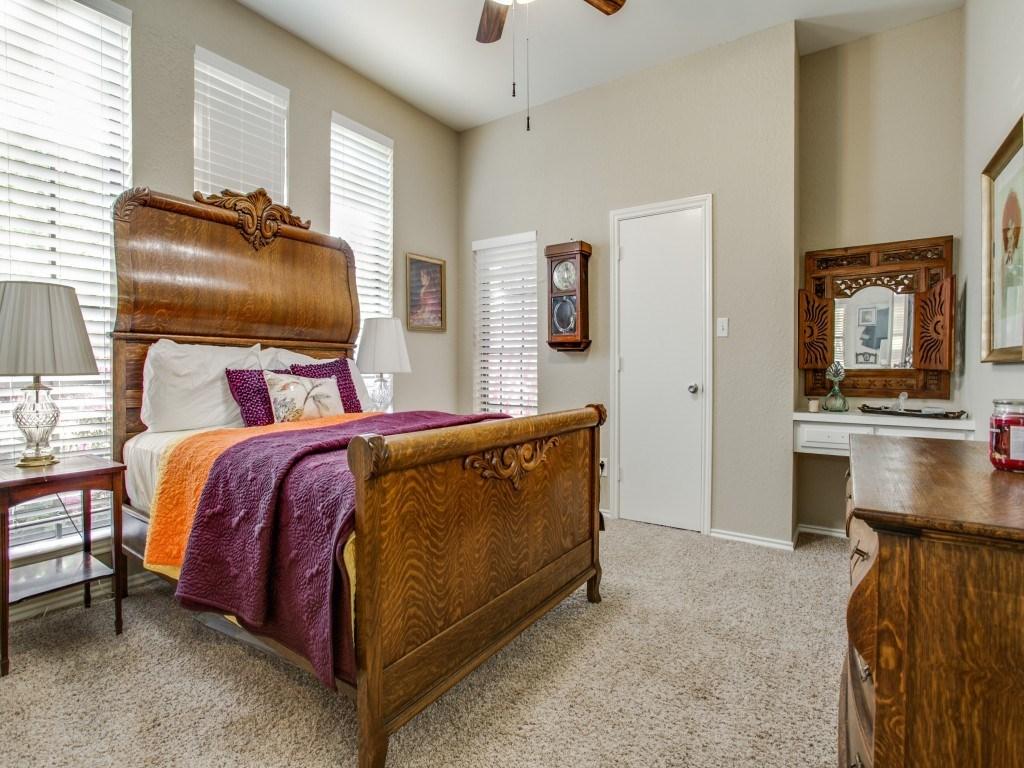 Sold Property | 2100 Stonehill Court Arlington, Texas 76012 16