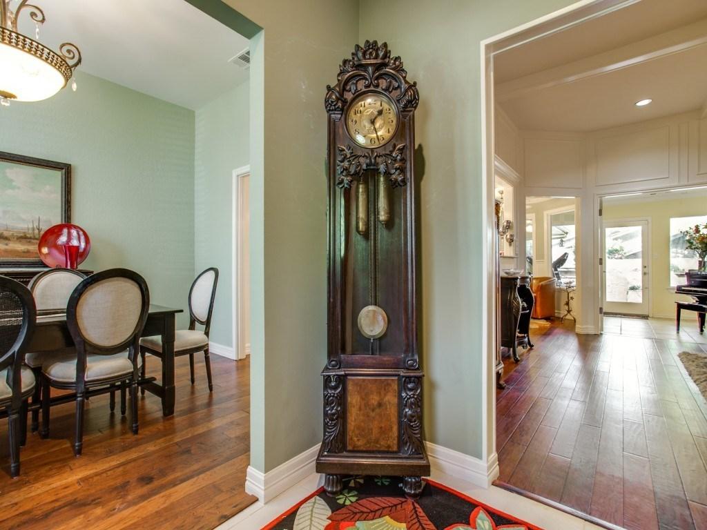 Sold Property | 2100 Stonehill Court Arlington, Texas 76012 2