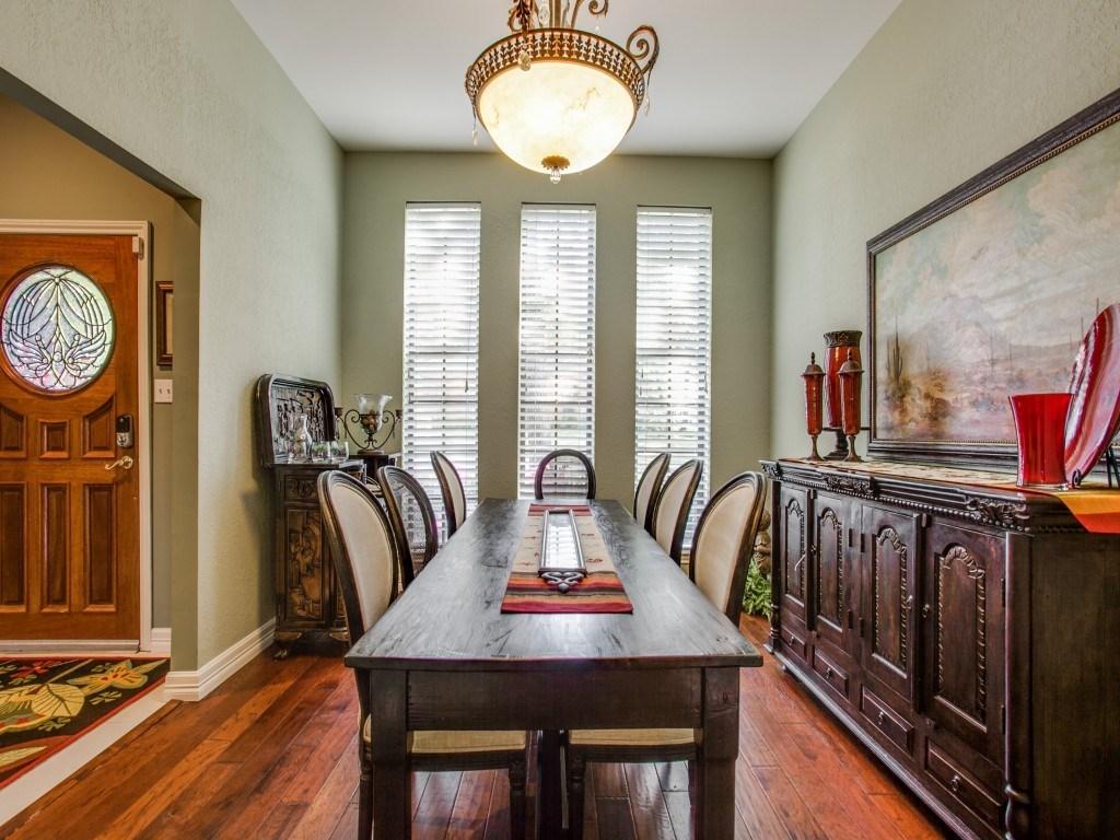 Sold Property | 2100 Stonehill Court Arlington, Texas 76012 3