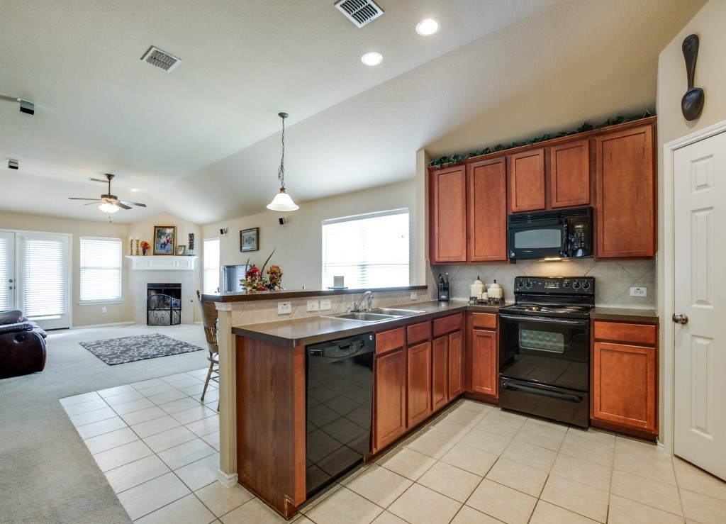Sold Property | 504 Moonrise Drive Arlington, Texas 76002 11