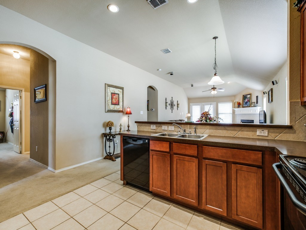 Sold Property | 504 Moonrise Drive Arlington, Texas 76002 12