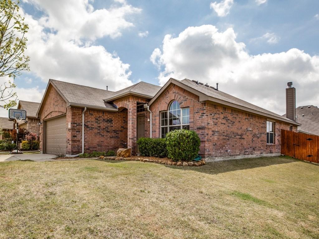 Sold Property | 504 Moonrise Drive Arlington, Texas 76002 2