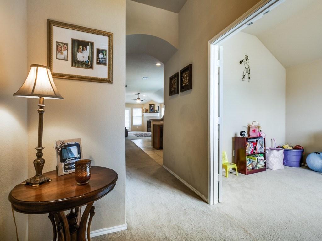 Sold Property | 504 Moonrise Drive Arlington, Texas 76002 4
