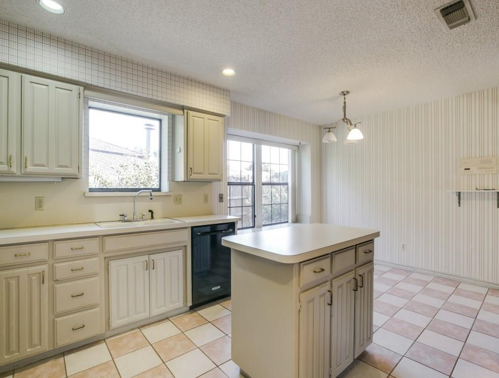 Sold Property | 2702 Ridge Top Lane Arlington, Texas 76006 8