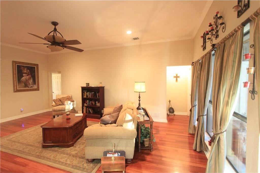 Sold Property | 6633 Townlake Circle Arlington, Texas 76016 10