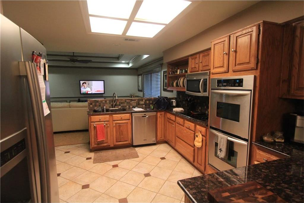 Sold Property | 6633 Townlake Circle Arlington, Texas 76016 4