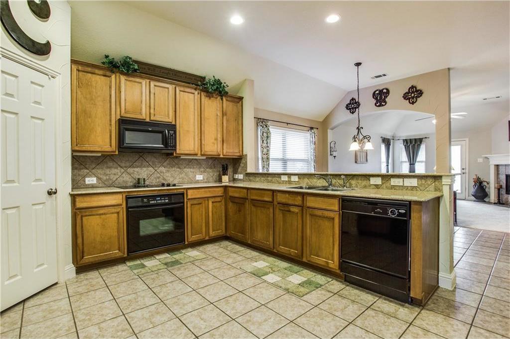 Sold Property | 2573 Marina Drive Grand Prairie, Texas 75054 6