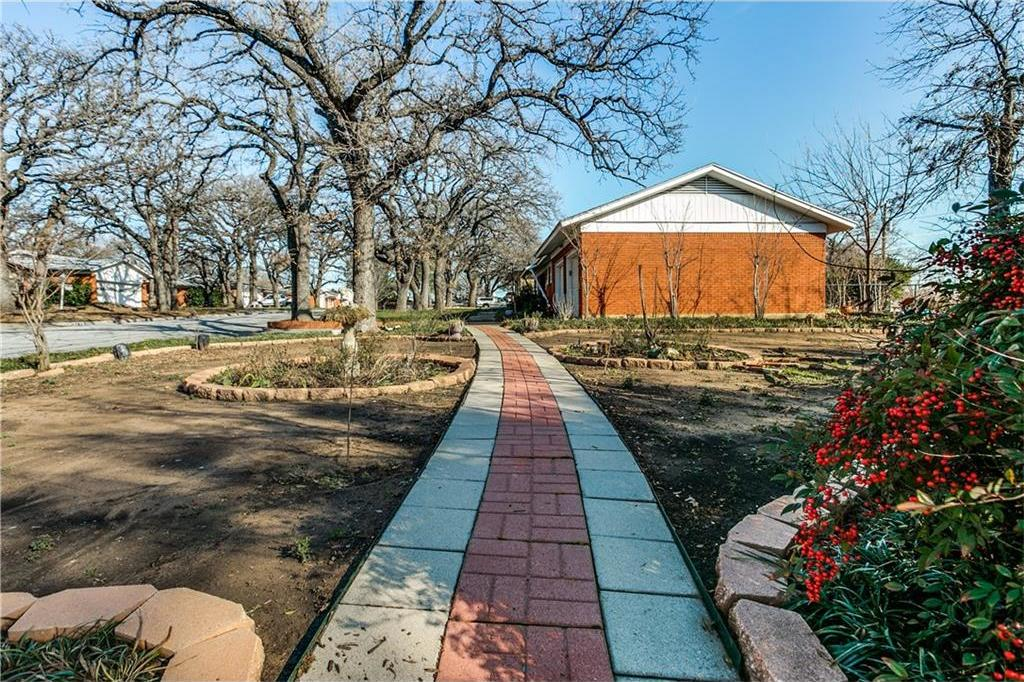 Sold Property | 1713 Sheffield Place Fort Worth, Texas 76112 1