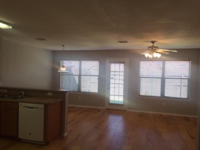 Sold Property | 2309 Kingsway Drive Arlington, Texas 76012 5