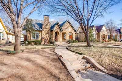 Sold Property | 1322 S Montreal Avenue Dallas, Texas 75208 2