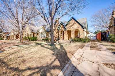 Sold Property | 1322 S Montreal Avenue Dallas, Texas 75208 3