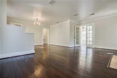 Sold Property | 1322 S Montreal Avenue Dallas, Texas 75208 8