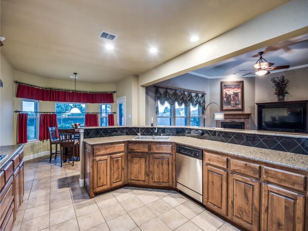 Sold Property | 13432 Fishing Hole Lane Fort Worth, Texas 76052 9