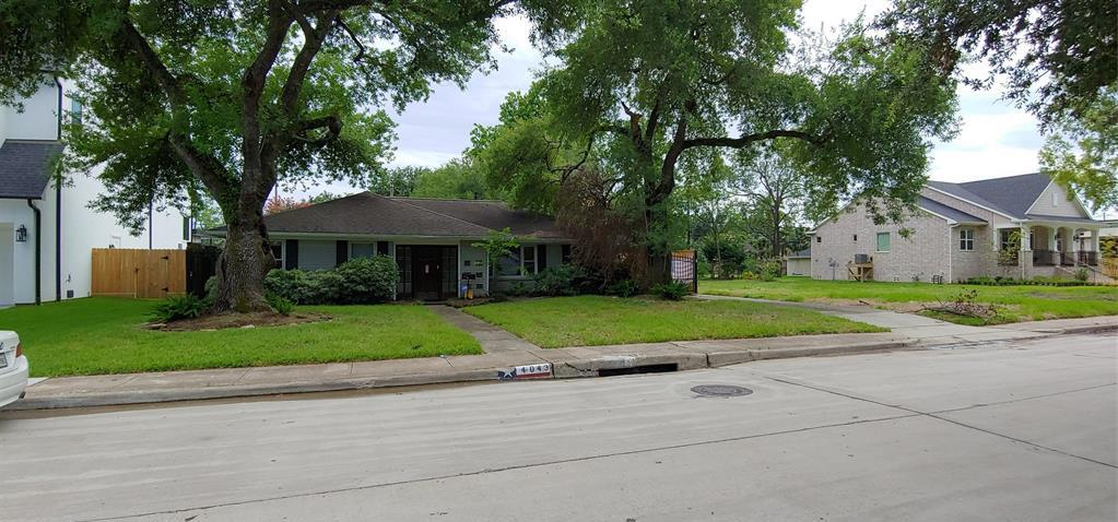 Active   4043 Tartan Ln Lane Houston, Texas 77025 1