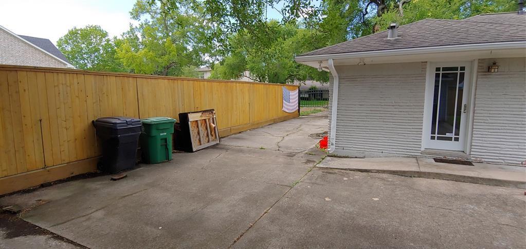 Active   4043 Tartan Ln Lane Houston, Texas 77025 12