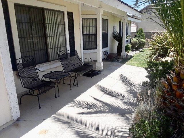 Closed   12530 Midcrest Lane Victorville, CA 92392 35
