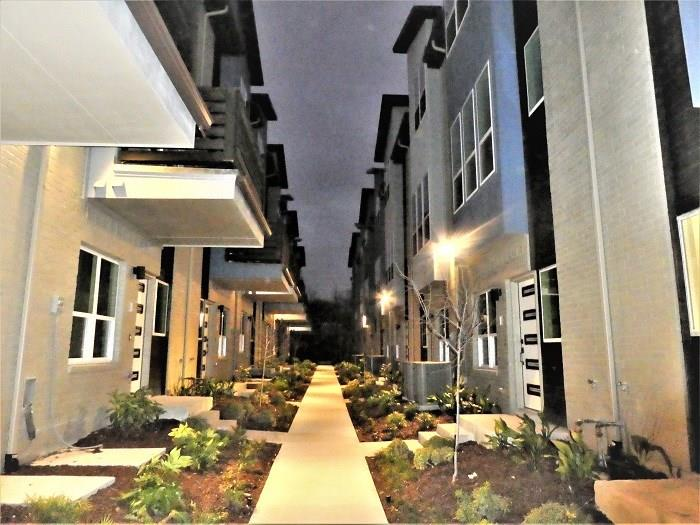 Active | 4914 Live Oak  Street #9-C Dallas, TX 75206 23