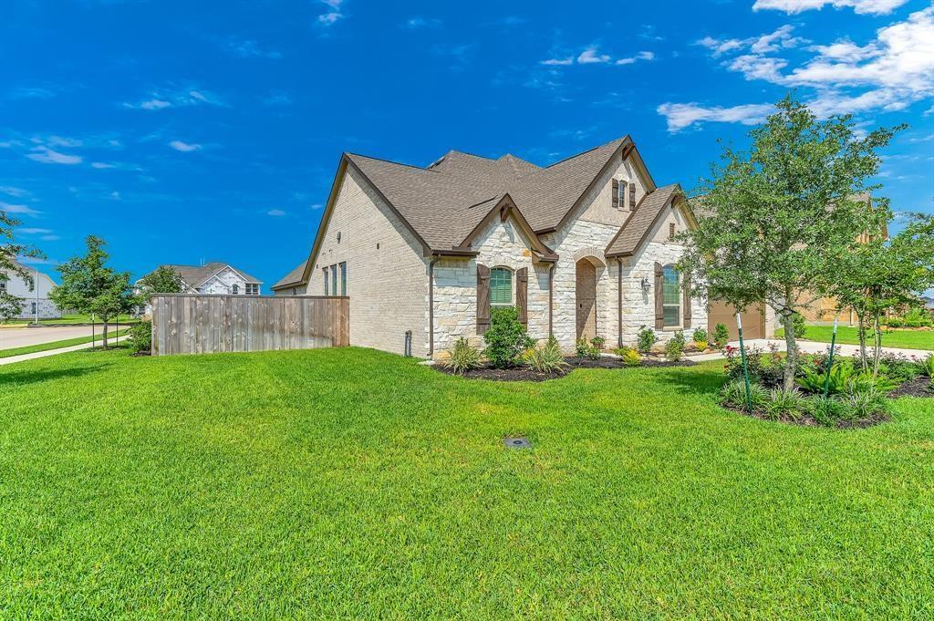 Off Market | 6610 Hollow Bay Court Katy, TX 77493 2
