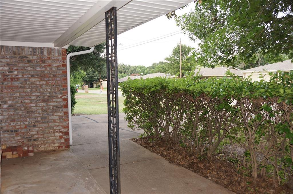 Sold Property | 1220 Wade Hampton Street Benbrook, Texas 76126 5
