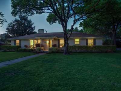 Sold Property | 6017 Preston Haven Drive Dallas, Texas 75230 3