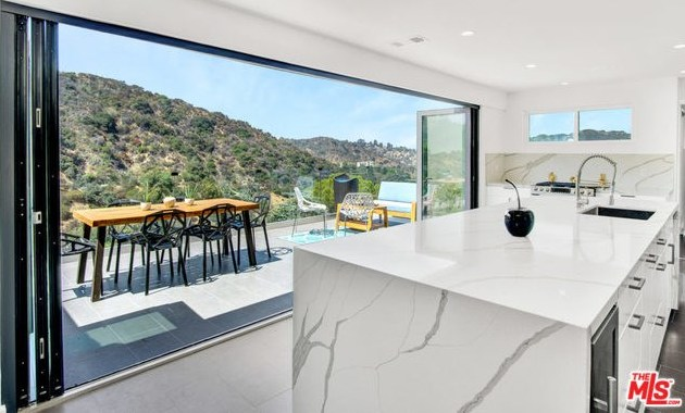 Off Market | 2161 GROVELAND Drive Los Angeles, CA 90046 5