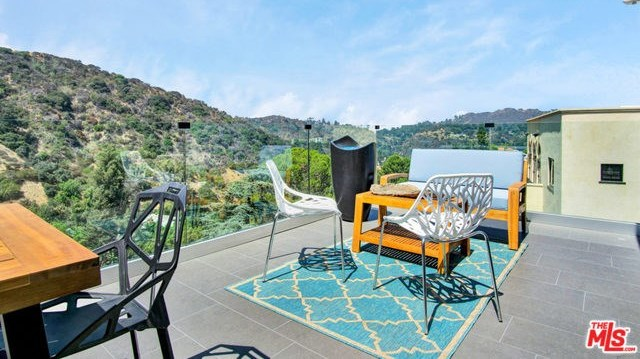 Off Market | 2161 GROVELAND Drive Los Angeles, CA 90046 7