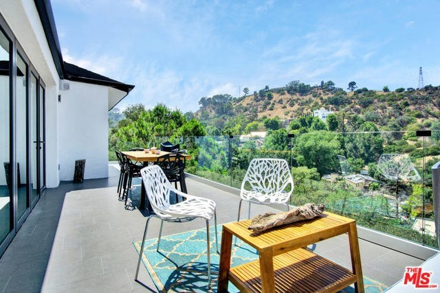 Off Market | 2161 GROVELAND Drive Los Angeles, CA 90046 8