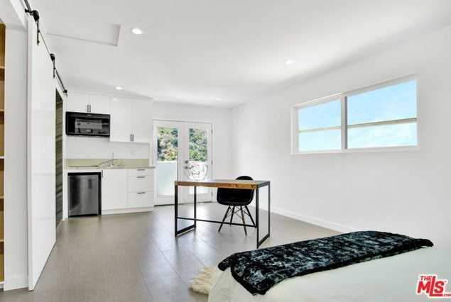 Off Market | 2161 GROVELAND Drive Los Angeles, CA 90046 16
