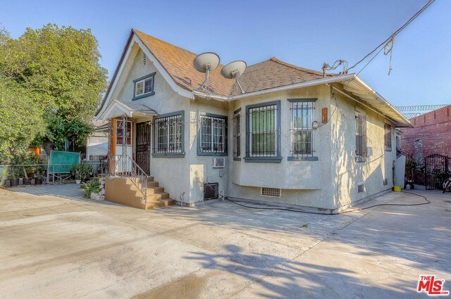 Active | 126 E 36TH Place Los Angeles, CA 90011 1