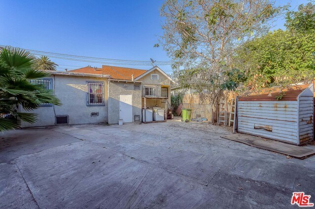 Active | 126 E 36TH Place Los Angeles, CA 90011 3