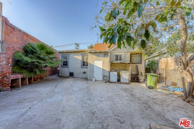 Active | 126 E 36TH Place Los Angeles, CA 90011 5