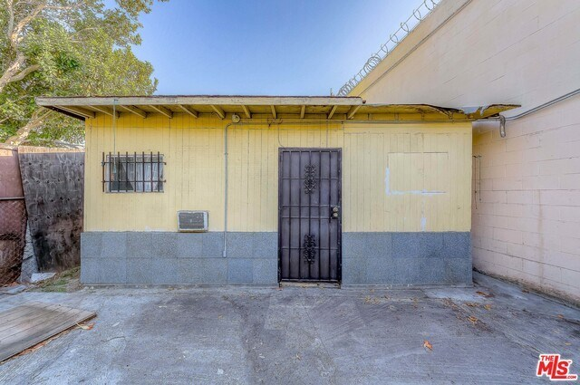Active | 126 E 36TH Place Los Angeles, CA 90011 6