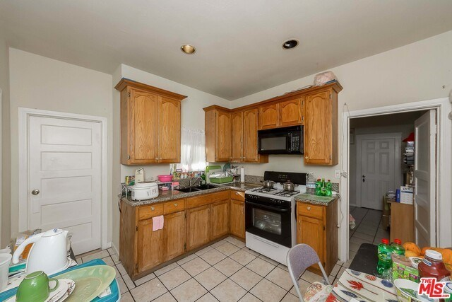 Active | 126 E 36TH Place Los Angeles, CA 90011 14