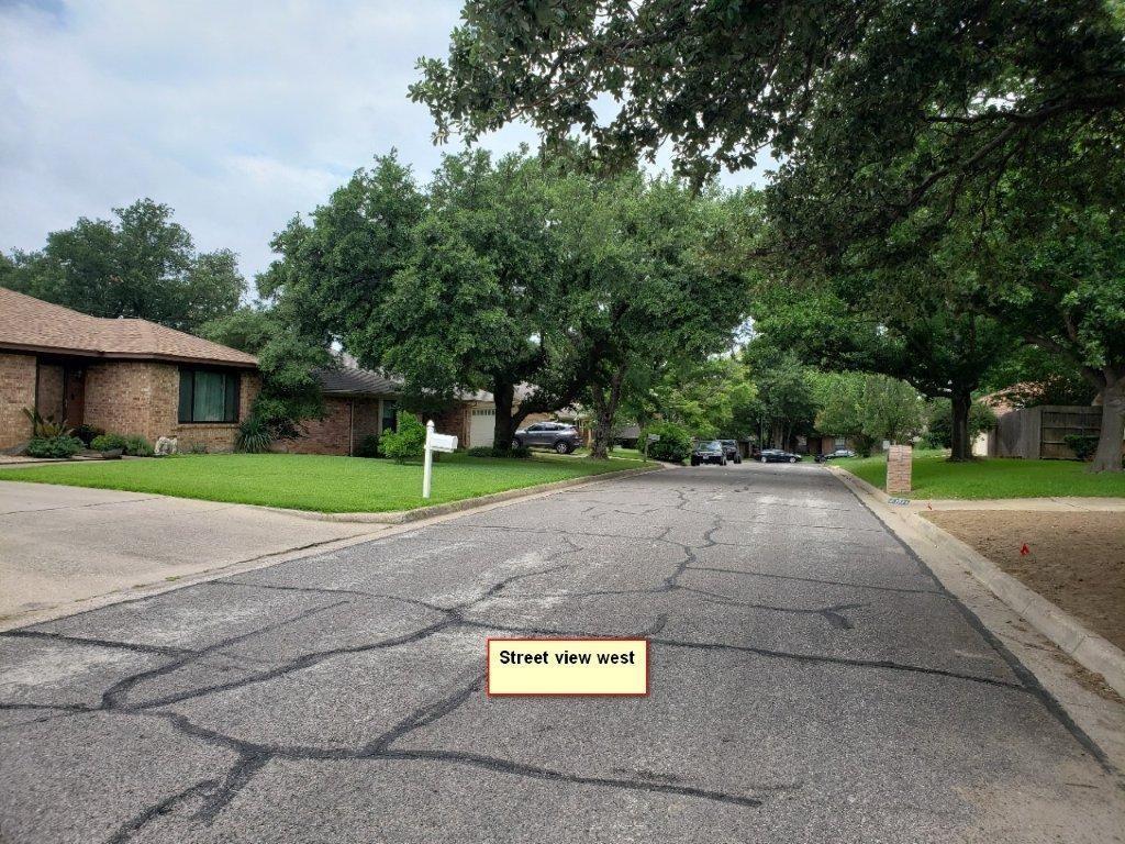 Leased   1509 Flamingo Drive Arlington, Texas 76012 23
