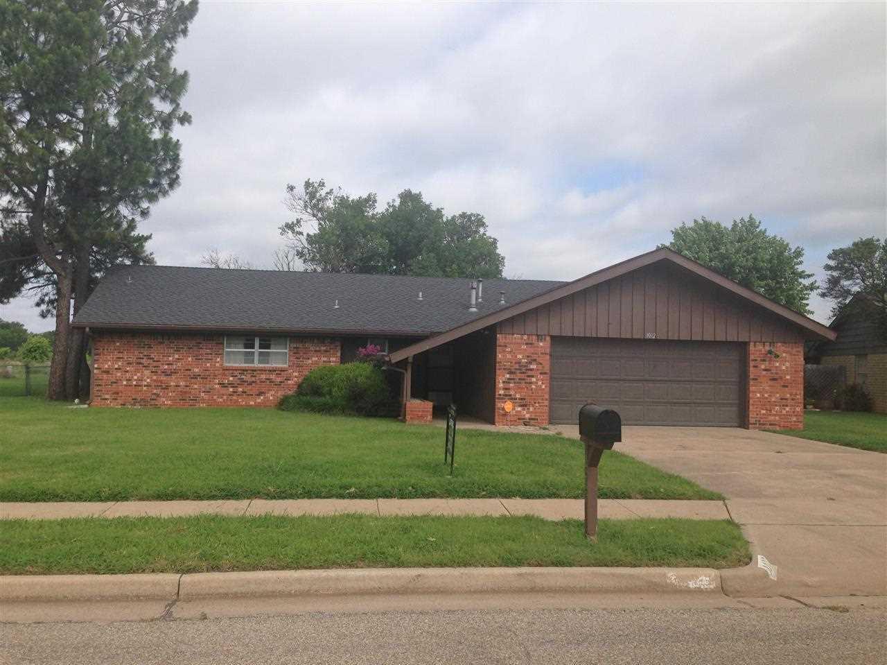 Sold Cross Sale W/ MLS | 1012 Rosedale Ponca City, OK 74604 0