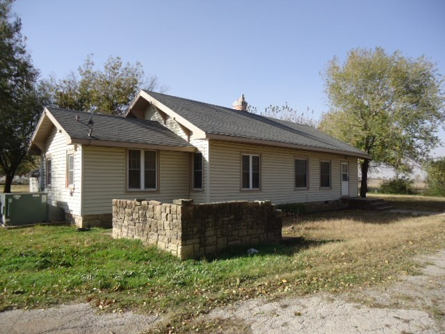Sold Intraoffice W/MLS   4100 W North Ave  Ponca City, OK 74601 0