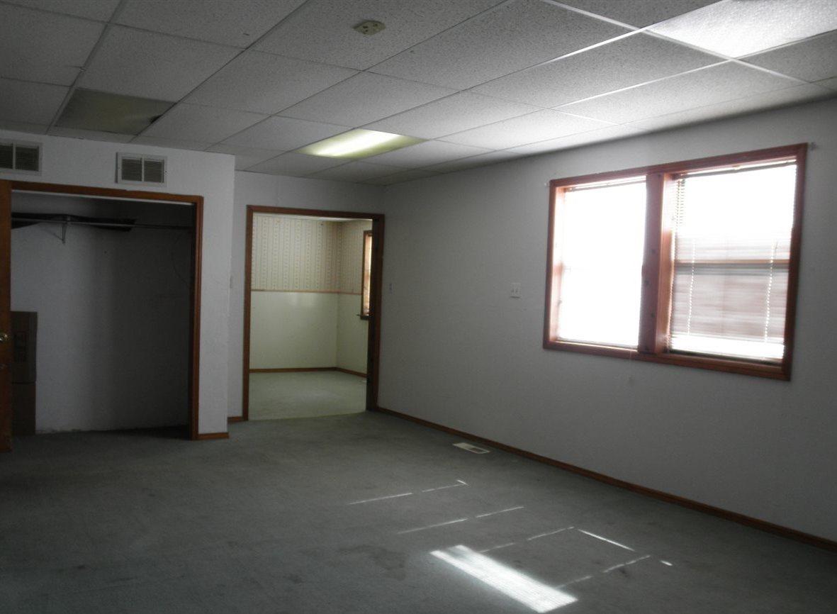 Sold Intraoffice W/MLS | 806 W Grand  Ponca City, OK 74601 9