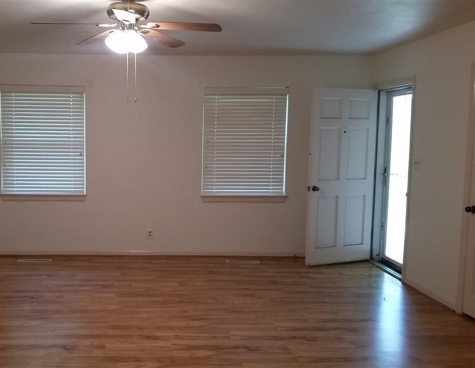 Sold Cross Sale W/ MLS | 1414 E Hartford #4 Ponca City, OK 74604 3