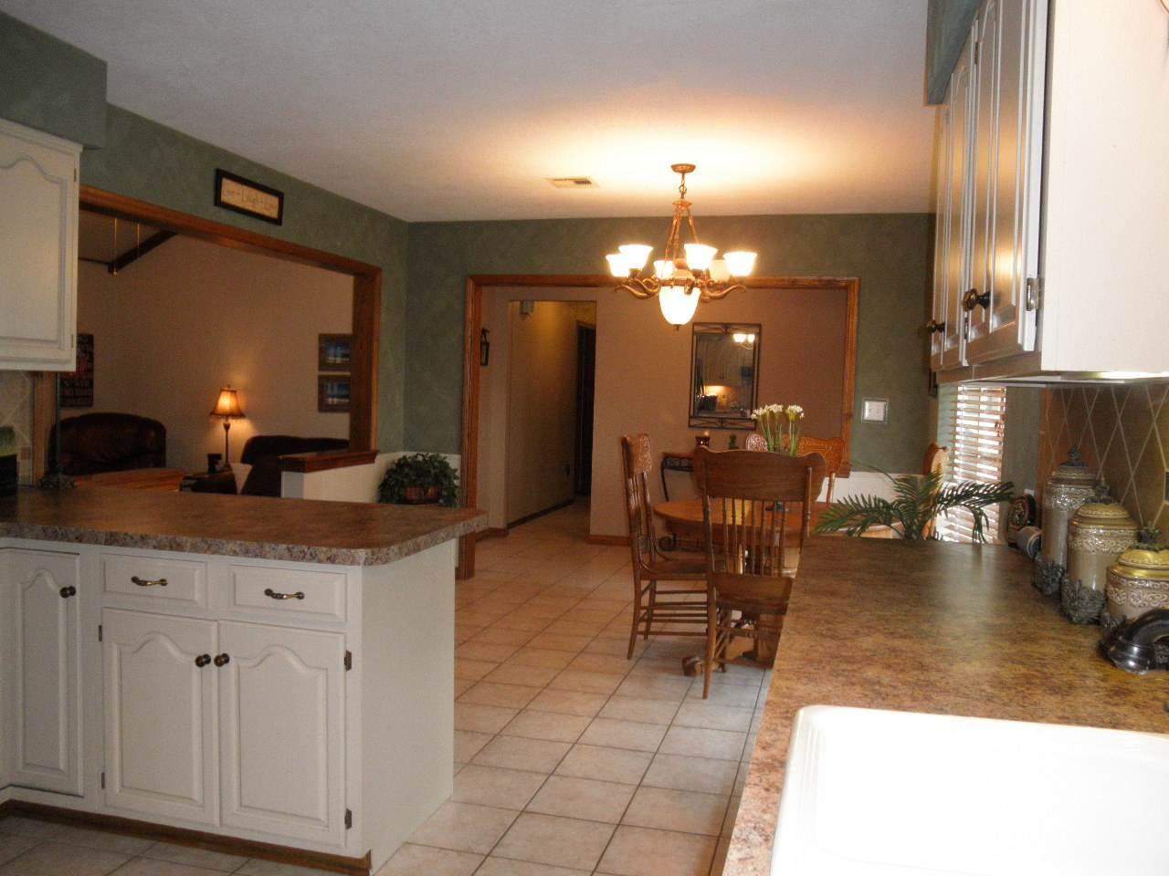 Sold Cross Sale W/ MLS | 2805 Ames  Ponca City, OK  14