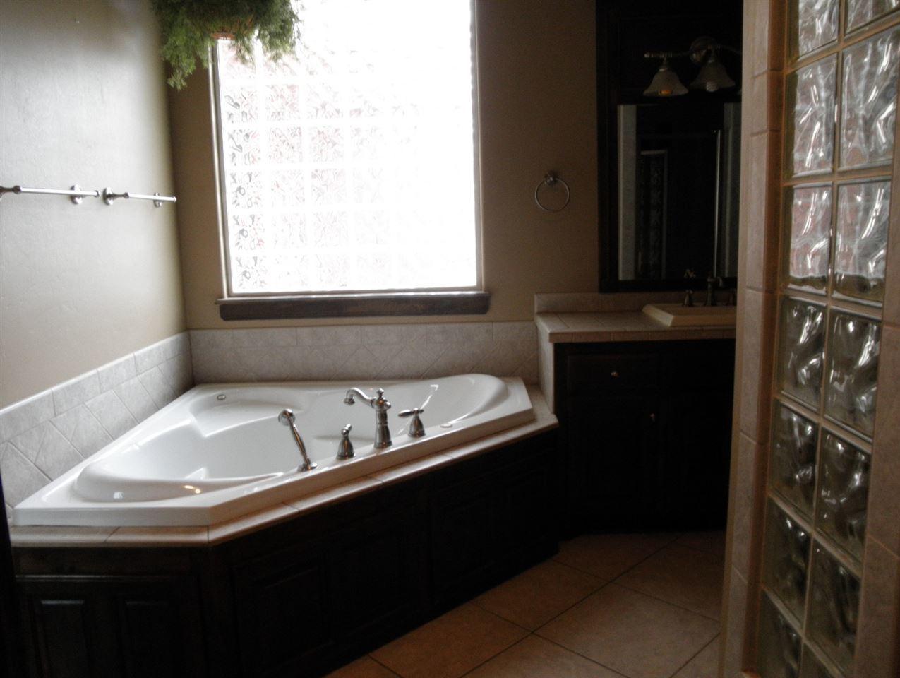 Sold Cross Sale W/ MLS | 2705 Mockingbird  Ponca City, OK 74604 24