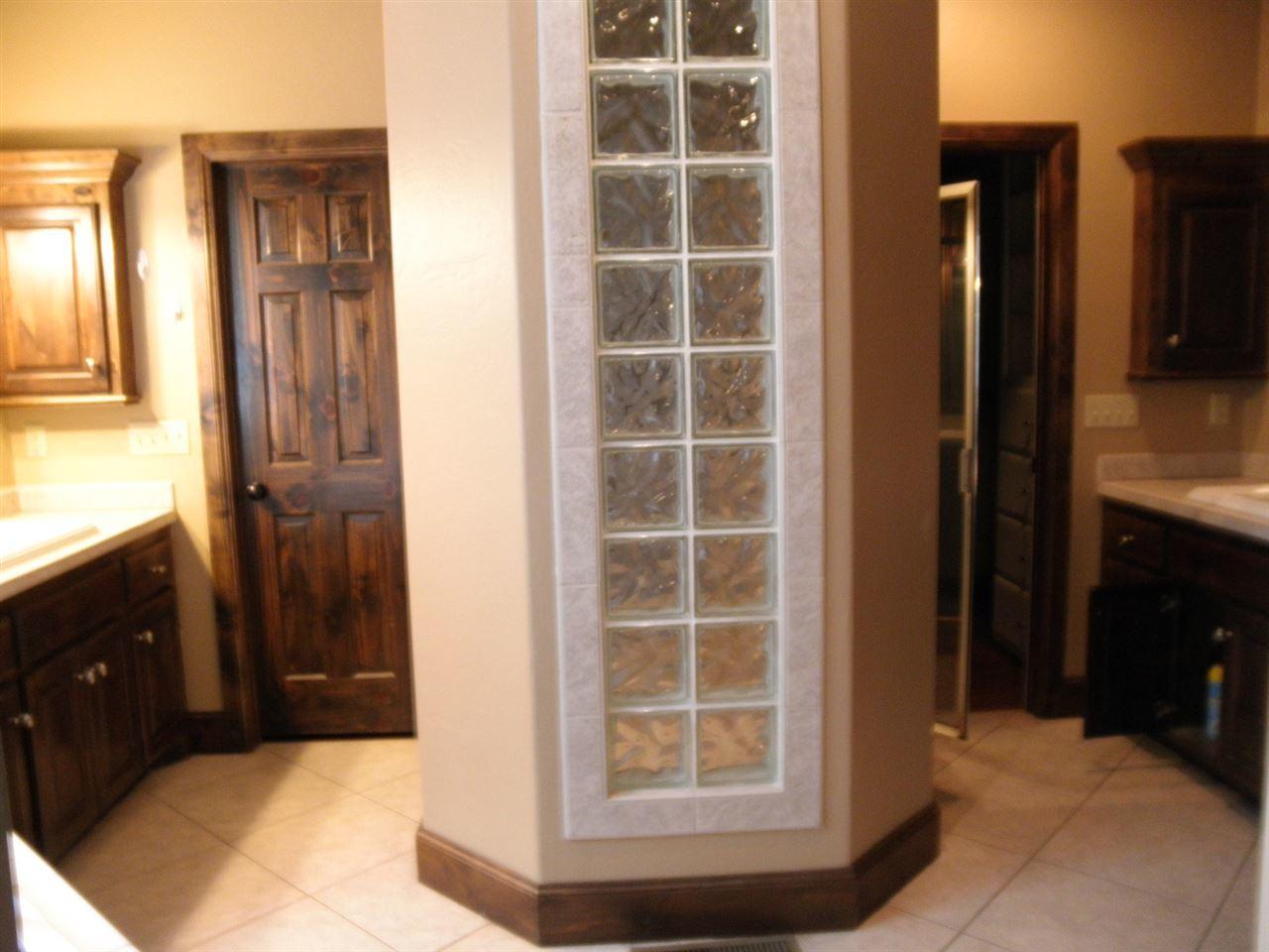 Sold Cross Sale W/ MLS | 2705 Mockingbird  Ponca City, OK 74604 26