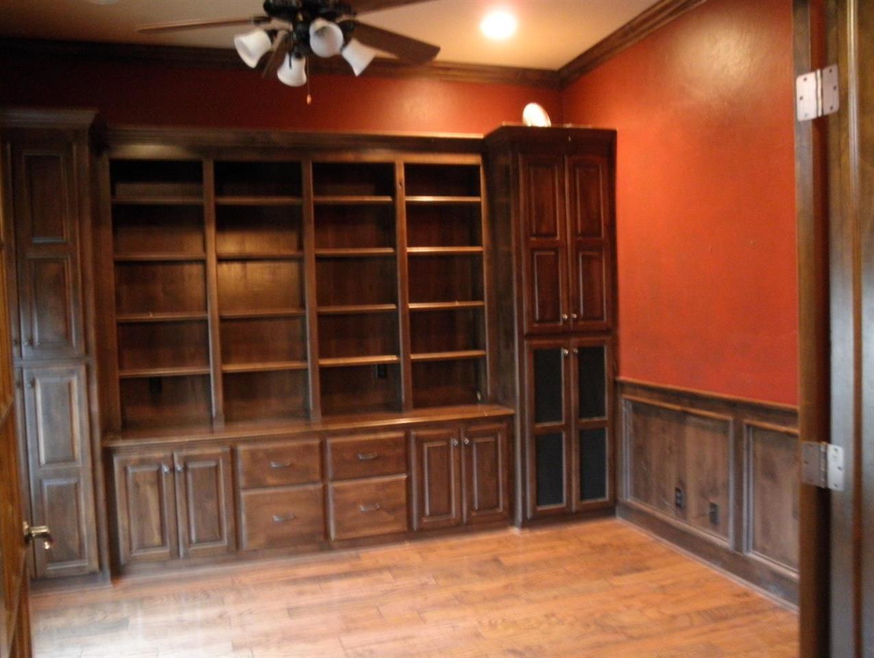 Sold Cross Sale W/ MLS | 2705 Mockingbird  Ponca City, OK 74604 3